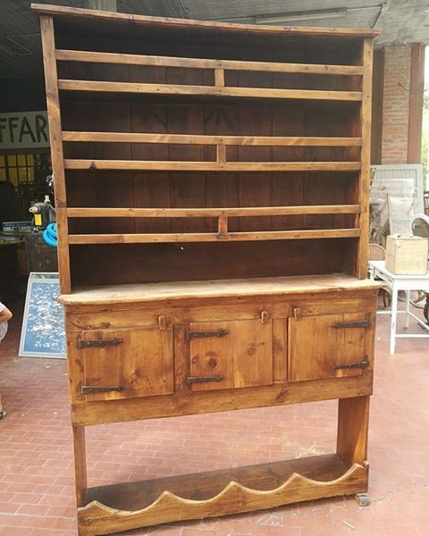 Piattaia in legno – Affari in cantina